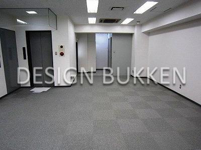 室内スペース: 天井高は2.7mとまずまず