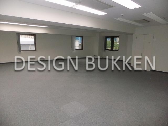 室内スペース: OAフロア装備のオフィス仕様
