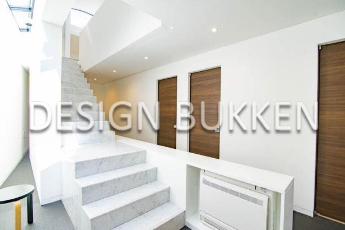 特徴的なデザイン性をもつ階段
