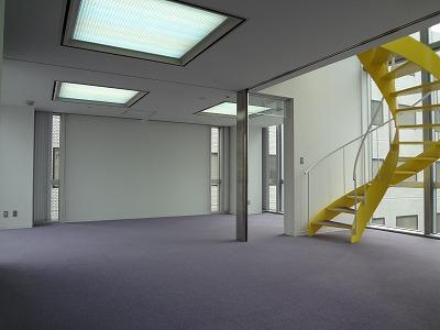螺旋階段があるオフィスは雰囲気がいい